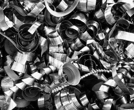 Zrolowane opiłki metalu